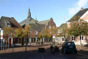 Zwiebelturm Kerken Nieukerk Marktplatz